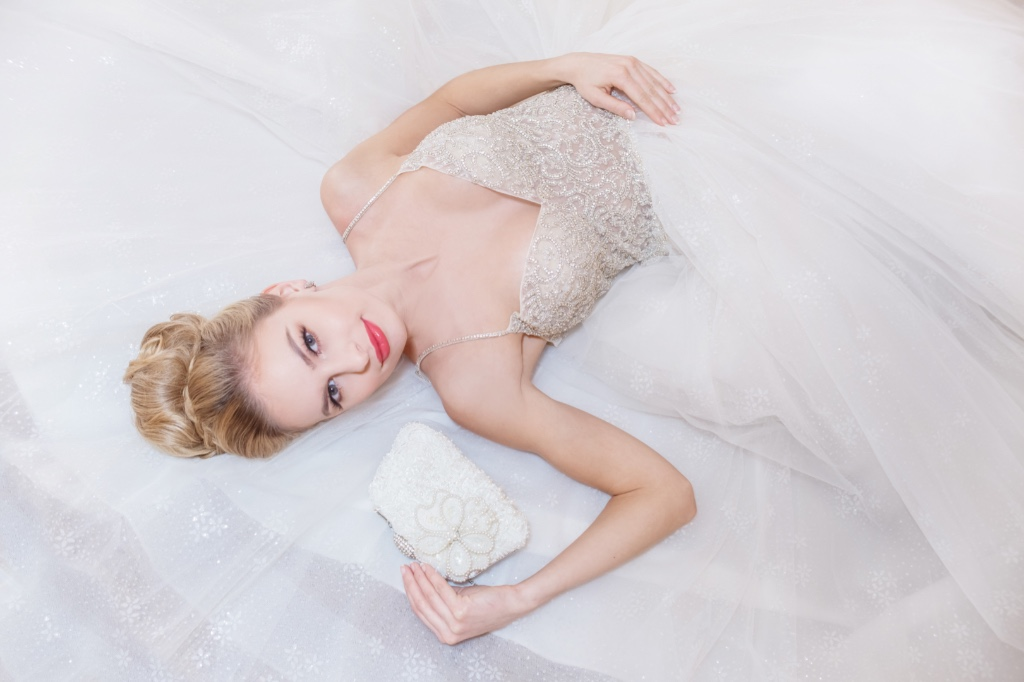 One of a kind bridal clutches that give you that bridal finishing touch