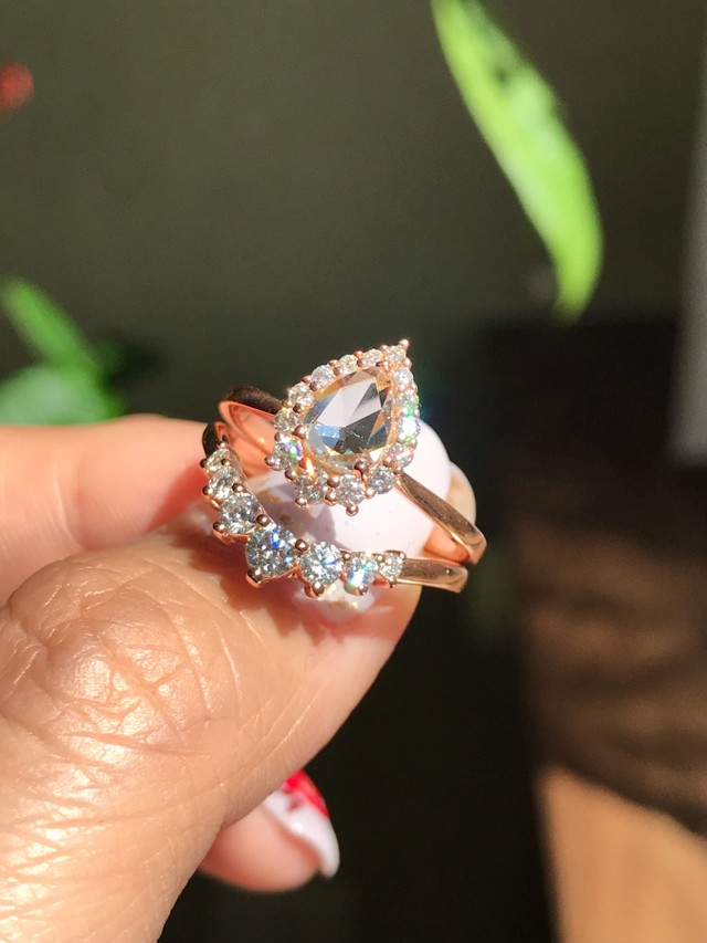 Rose gold, rose cut, all rose everything 😍 We get messages all the time about diamond engagement rings but here's a lesser known