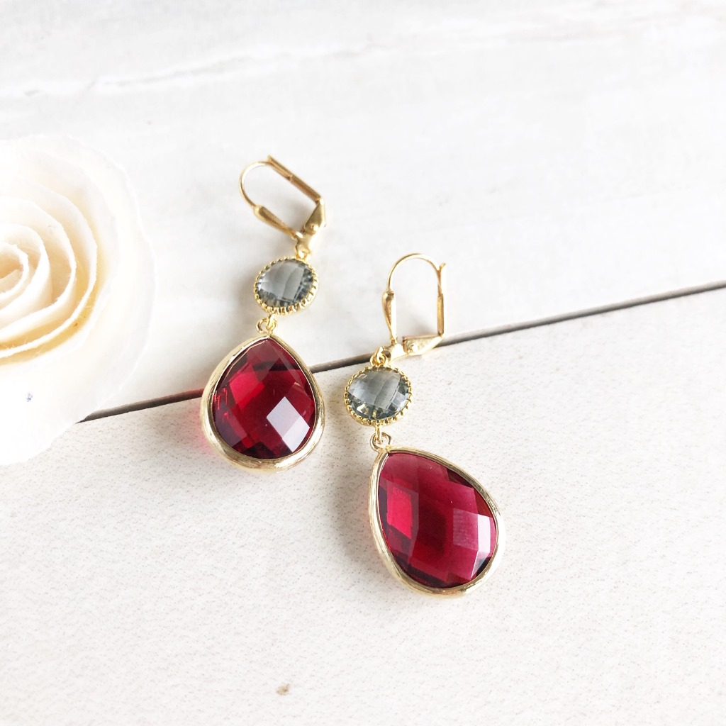 Charcoal and Ruby Red Glass Drop Earrings. Bridal Earrings. Bridesmaids Gift. Hangs 1.5 long. Ear wire is gold plated brass.