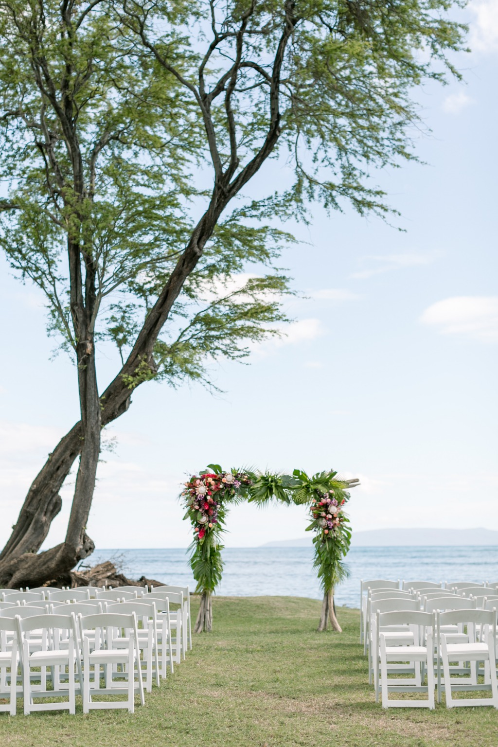Photo by Caitlin Cathey Photography | Maui Wedding Photographer | Maui Weddings | Luxury Hawaiian Wedding | Hawaiian Wedding Decor
