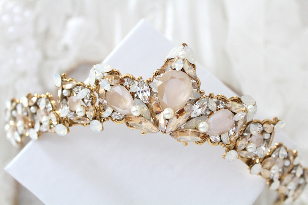 This handcrafted antique gold vintage style bridal tiara crown I created using antique gold base soldered together so it lasts you