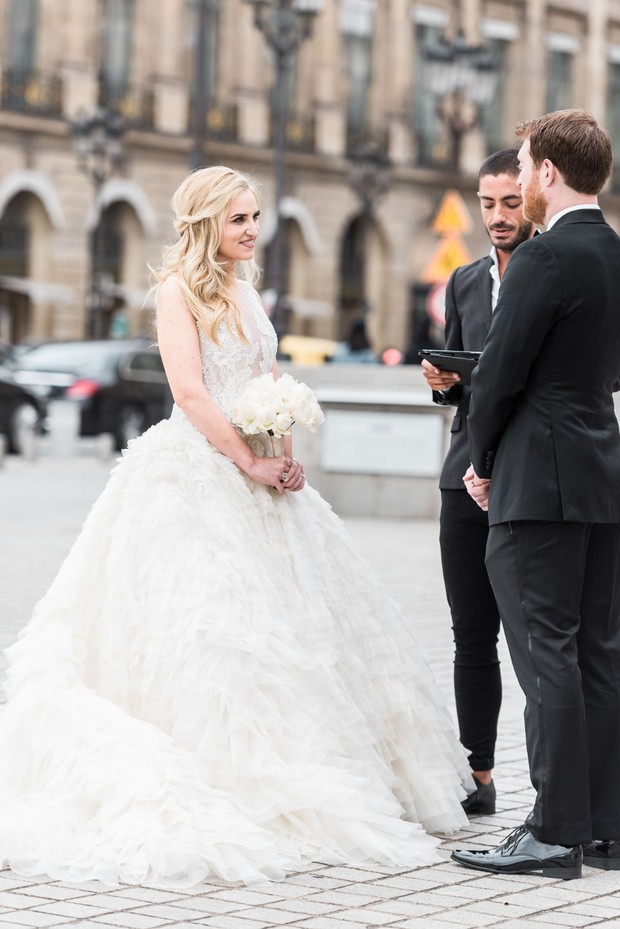 how to get eloped in Paris