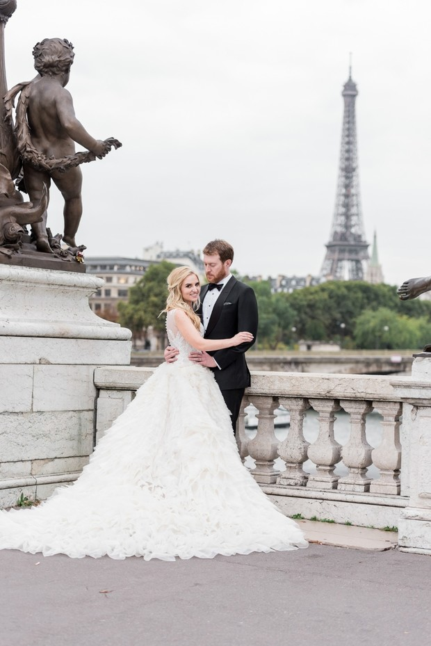 get eloped in Paris