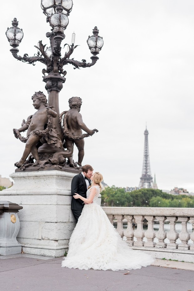 romantic elopement in Paris