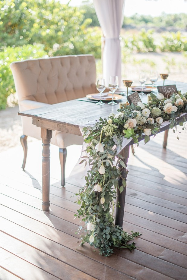 sweetheart table in neutral tones