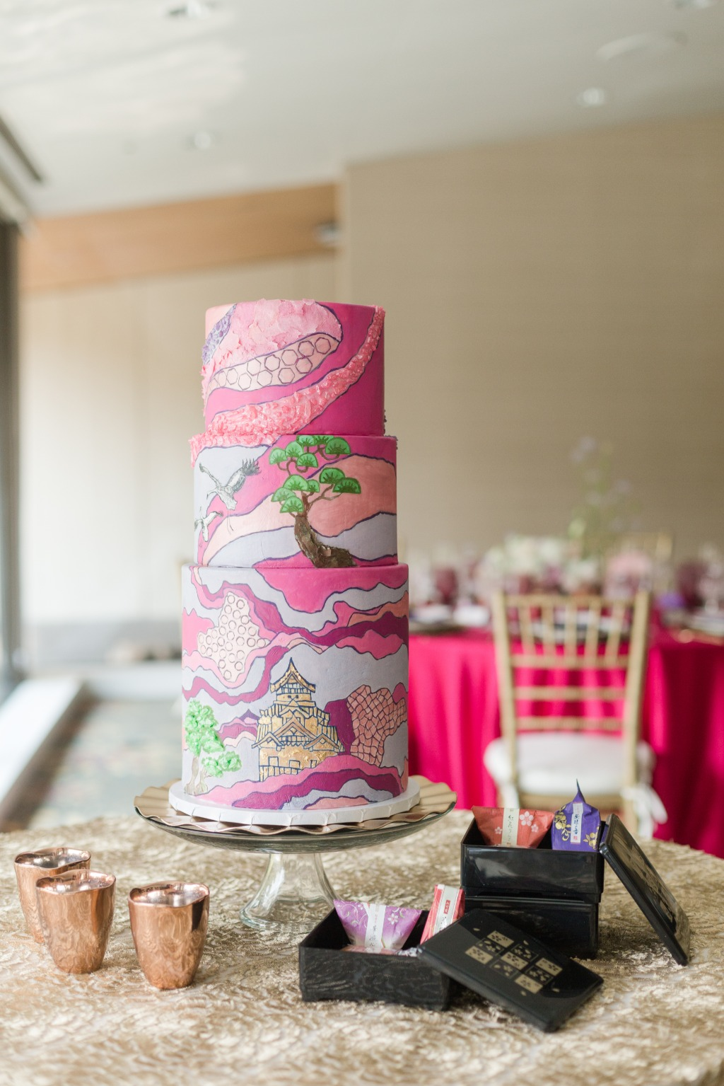 Looking for something different in your wedding cake? This beautiful cake was painted with abstract art to bring in touches of the