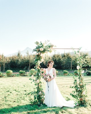 How to Style a Laid-Back Spring Wedding in an Orchard