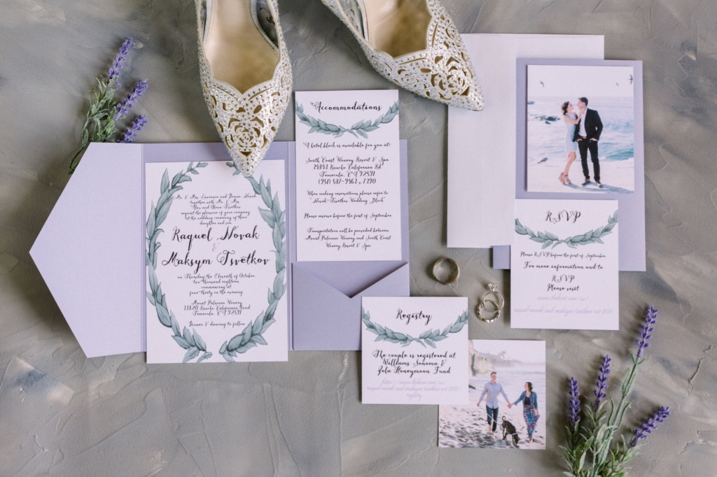 Add unique touch and a pop of color with a Pocket to organize your Leafy love foil wedding invitation suite!