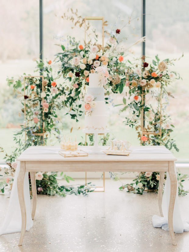 pastel wedding cake table