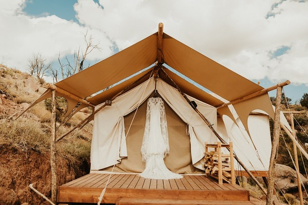 outdoor wedding at Under Canvas Zion