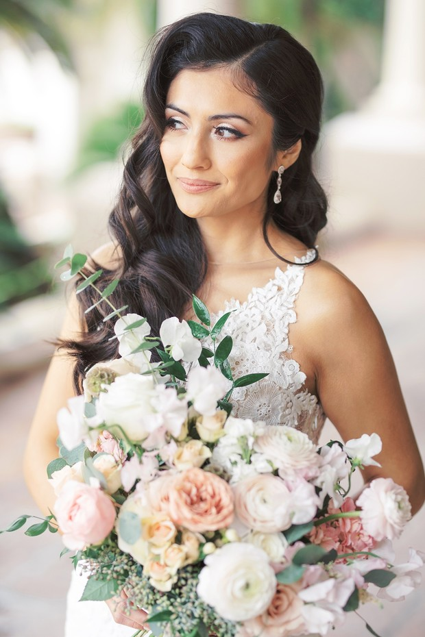 blush and neutral bridal bouquet