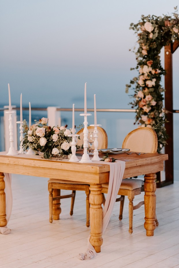 rustic romantic wedding sweethearts table