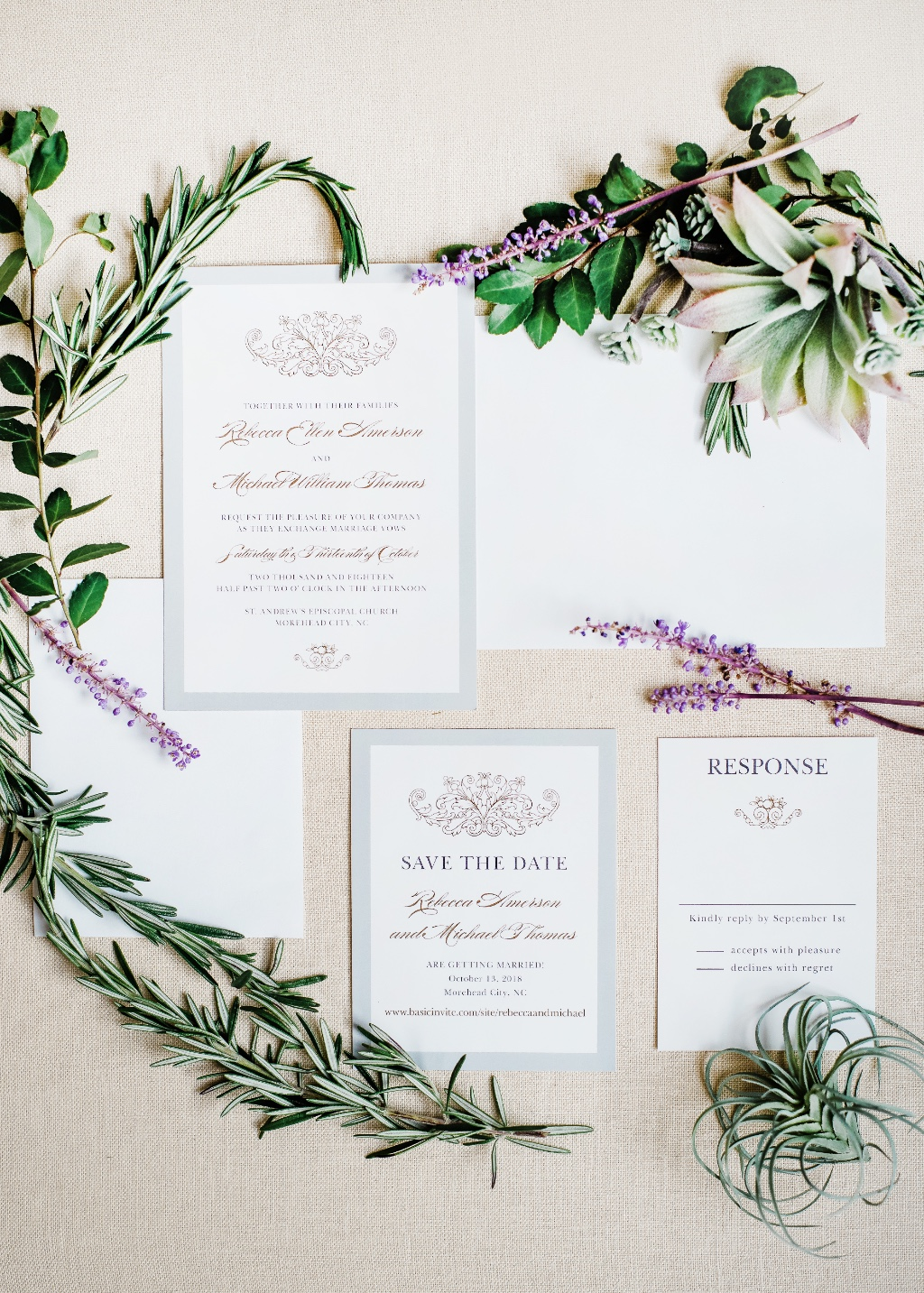 All your fairy tale wedding dreams will come true with this dreamy Vintage Damask Wedding Invitation Suite.