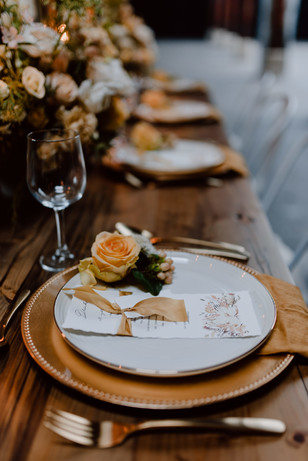 gold and yellow wedding table decor