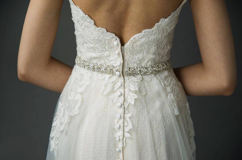 The most beautiful wedding dress details from Grave + Ivory