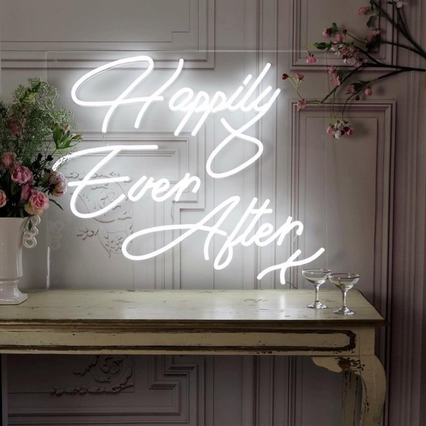 12 Neon Wedding Signs We're All About RN