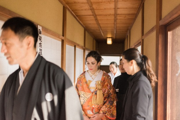 wedding couple in Shinto temple