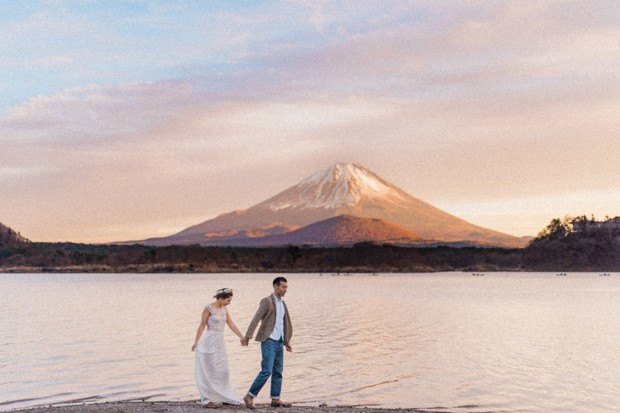 post wedding Mount Fuji photos