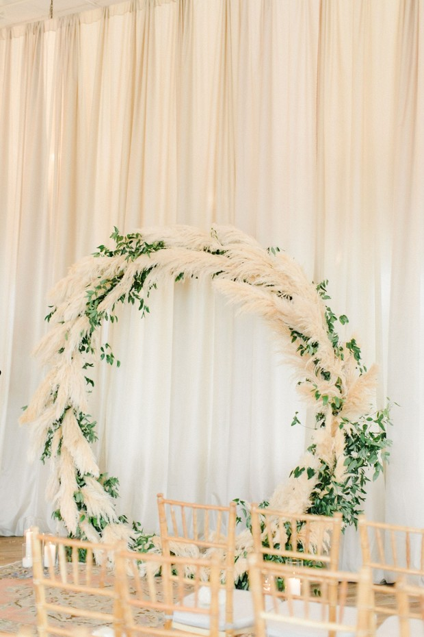 giant wreath wedding ceremony backdrop