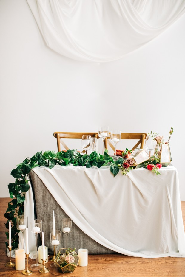 modern and romantic sweethearts table