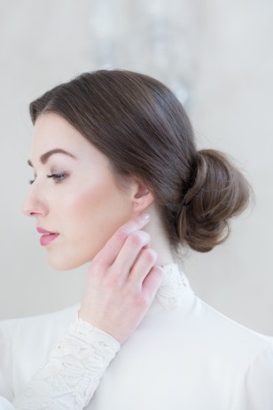 simple and chic wedding hair updo