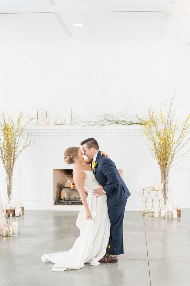 modern winter wedding with pops of yellow