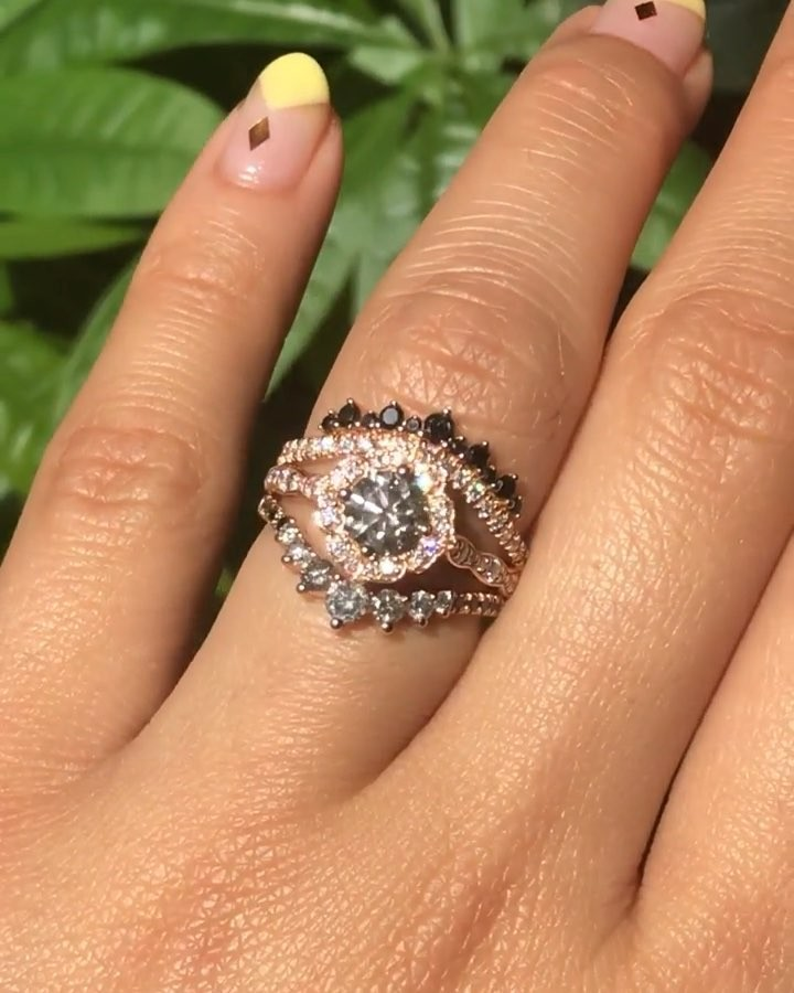 We love sunny days because sunny days bring ring sparkles! ✨