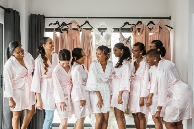 getting ready bridal party