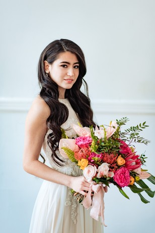 bridal look for your tropical wedding