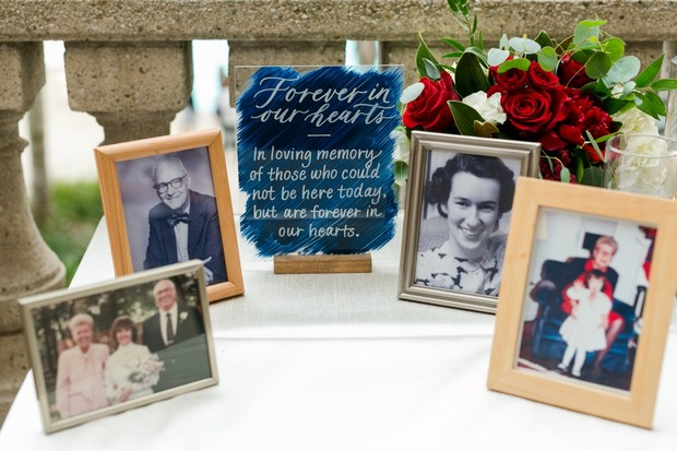 wedding memorial table