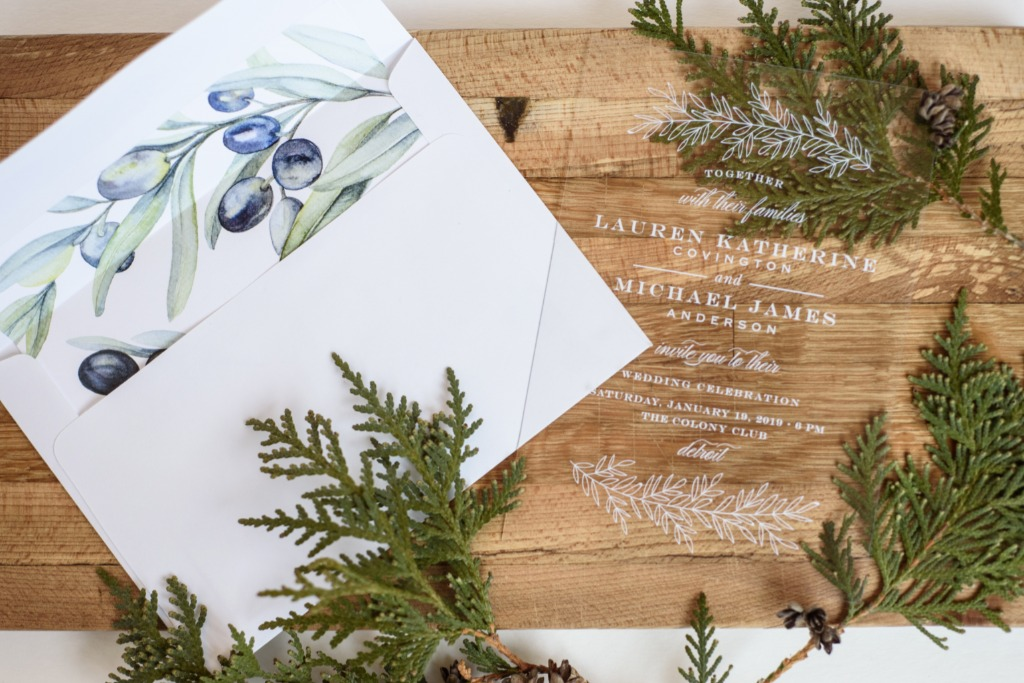 The Vintage Greenery Clear Wedding Invitations are eye-catching and memorable.