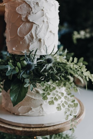 wedding greenery cake decor