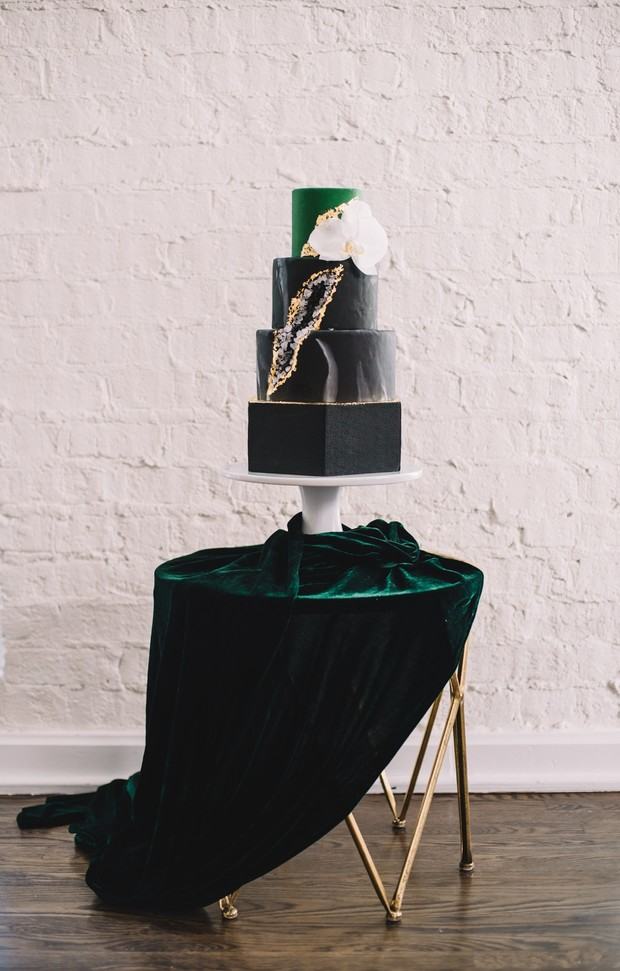 black gold and emerald green geode cake