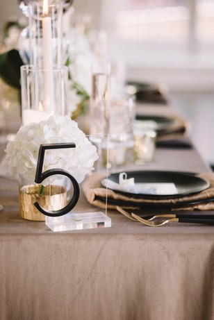 modern table number