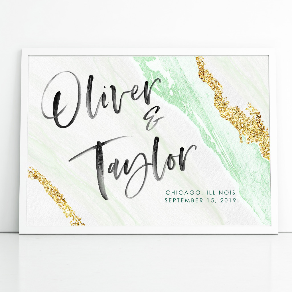 Inspired by natural elements, such as geode and agate, adorn your wedding with an elegant and glamorous wedding sign. Add an extra
