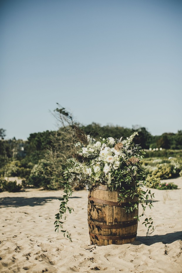 natural over grown style wedding floral decor