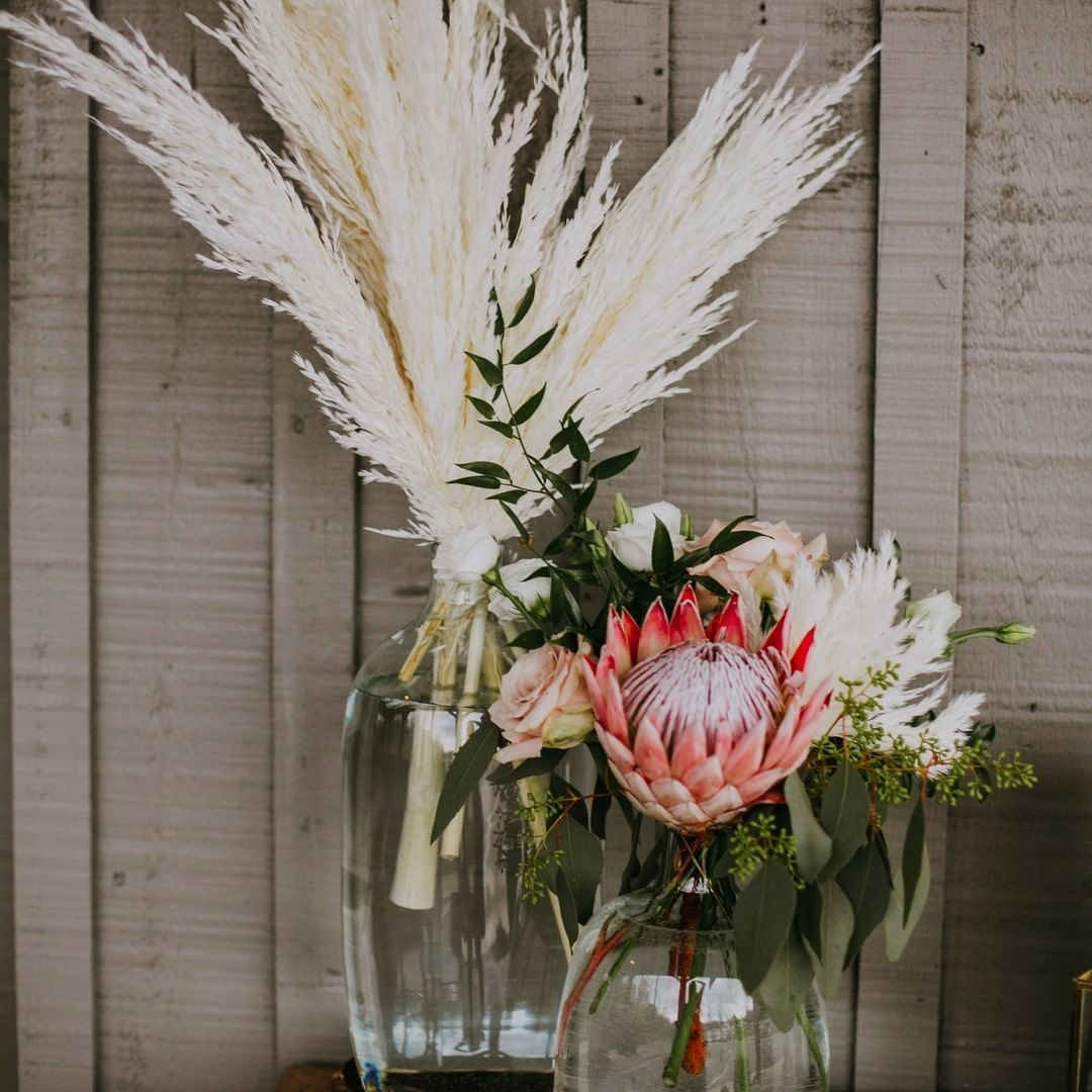 Never be afraid to express yourself with your flower choices! Make it YOUR wedding ❤️🌾