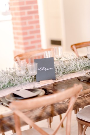 wedding table decor for your simple and chic wedding