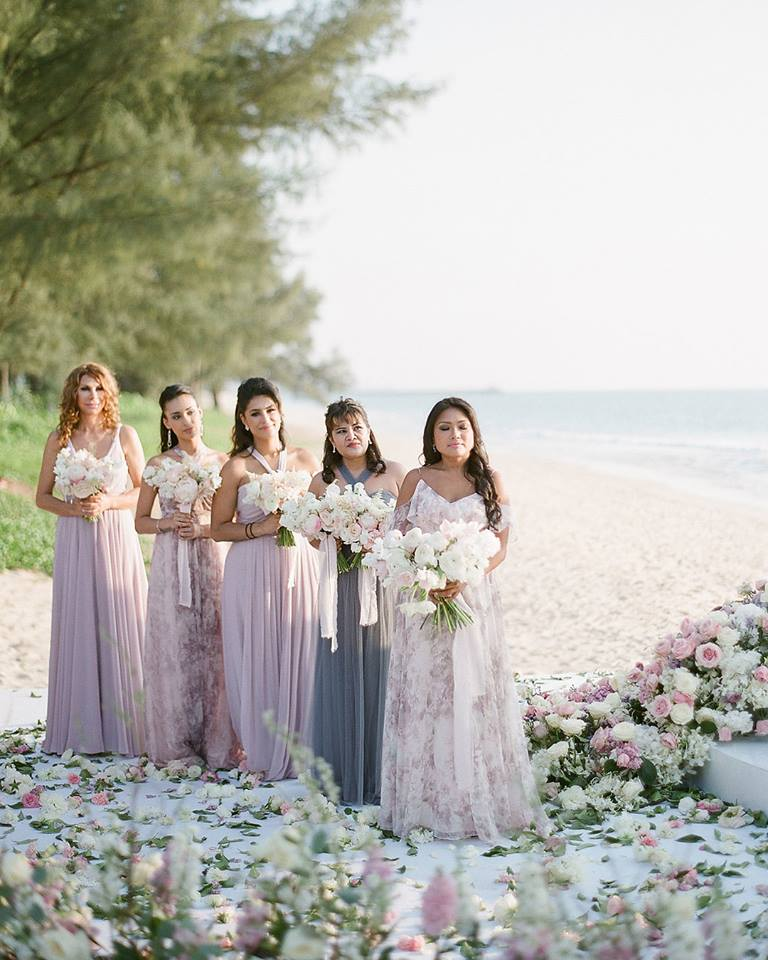 Such a pretty color pallet for your bridesmaids