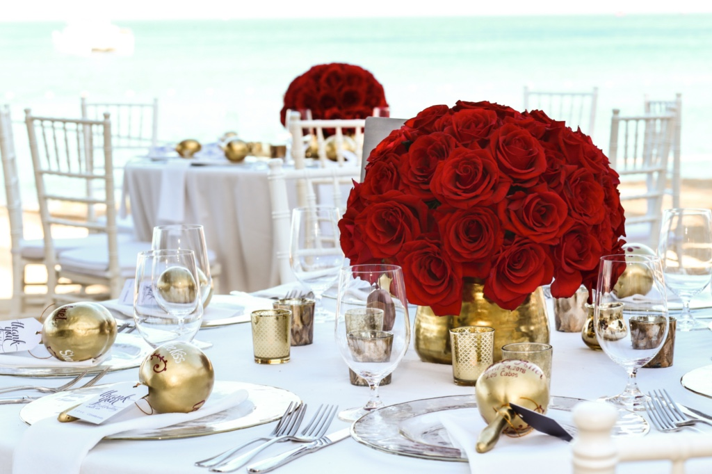 Roses, gold and ocean, mix perfect to enjoy!!