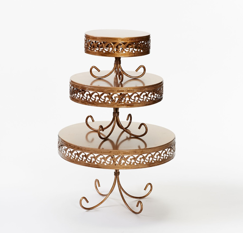 Opulent Treasures elegant and affordable wedding cake stands..shop our collection of cake stands and dessert stands for your wedding