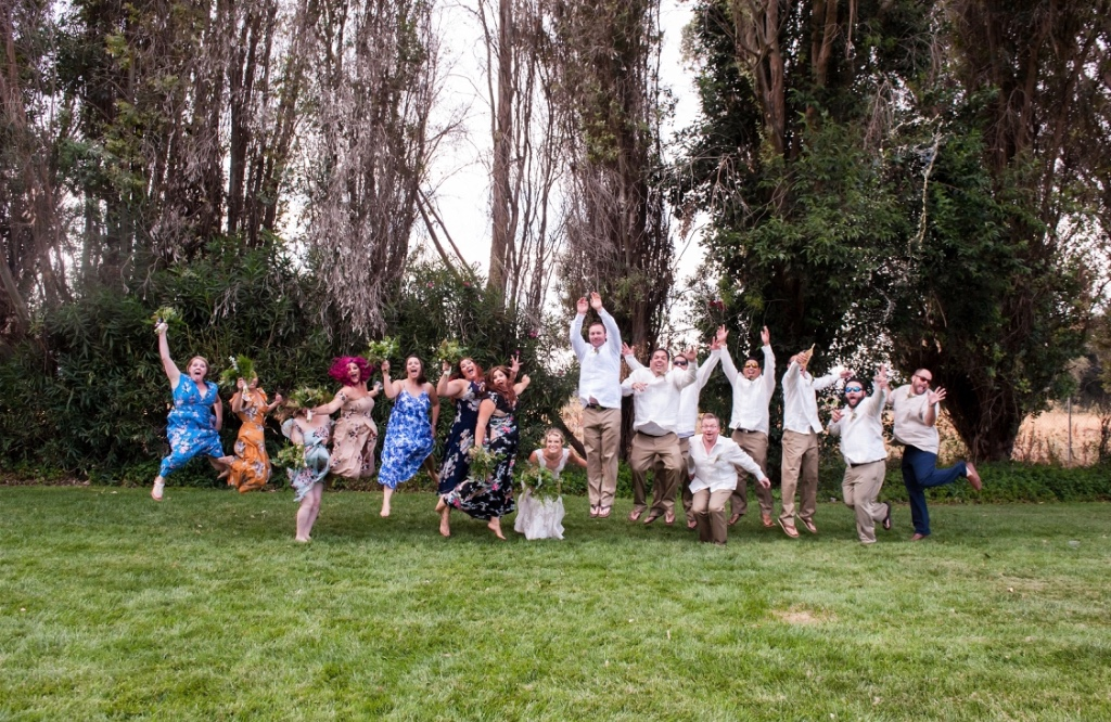 I love a good jump shot. Not when the wedding party is like an inch off the ground, but a really good jump! How about you?