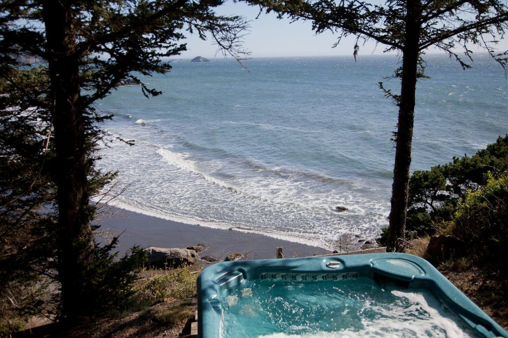 This Oregon Coast resort is a dream! Plan your wedding, honeymoon, vacay here!
