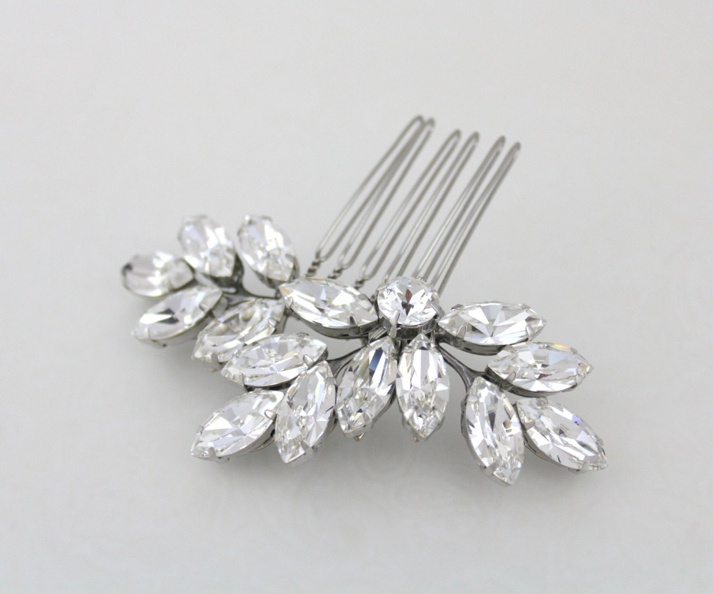 Beautiful and sparkly Bridal hair comb.