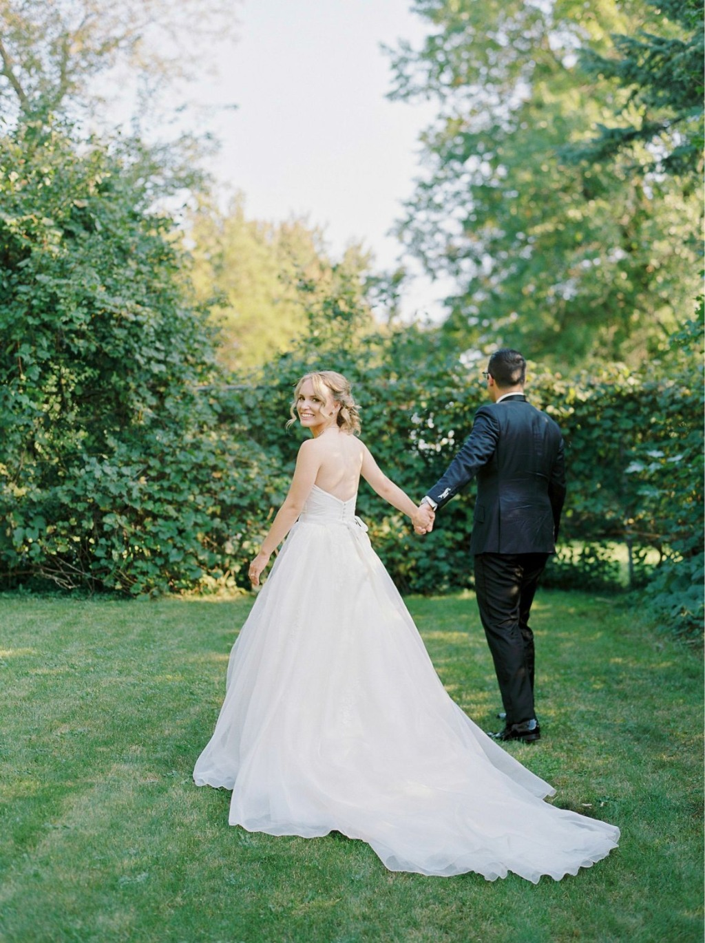 Amanda + Jon's Toronto Wedding at Graydon Hall. Astrid & Mercedes Divine gown. Photographer: Will Reid Photography | planning: