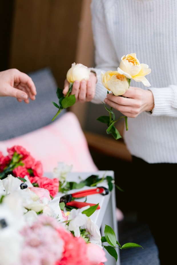 How to Create a Statement Floral Piece for Your Wedding