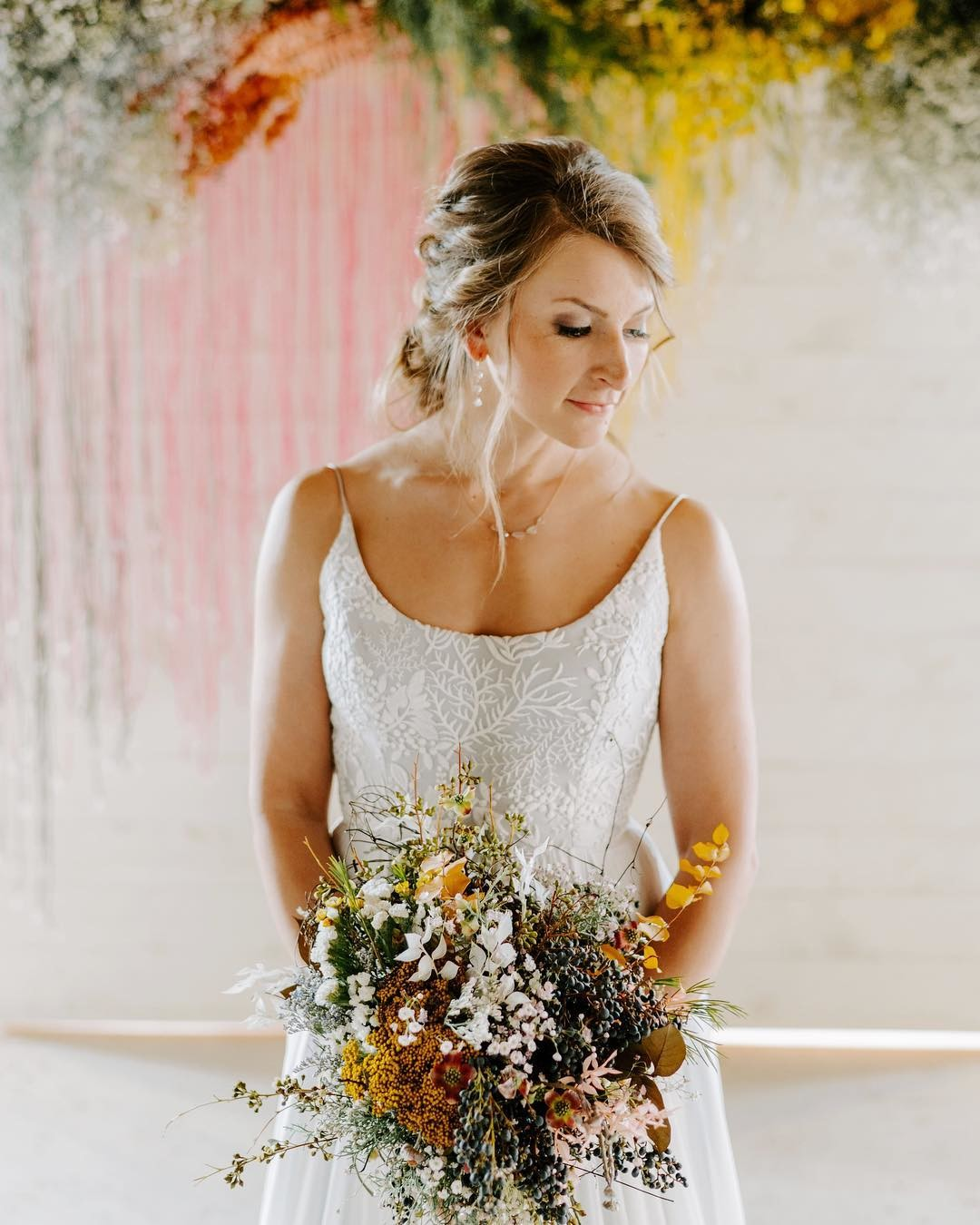 We love how @lindycopeland combined two of her favorite wedding