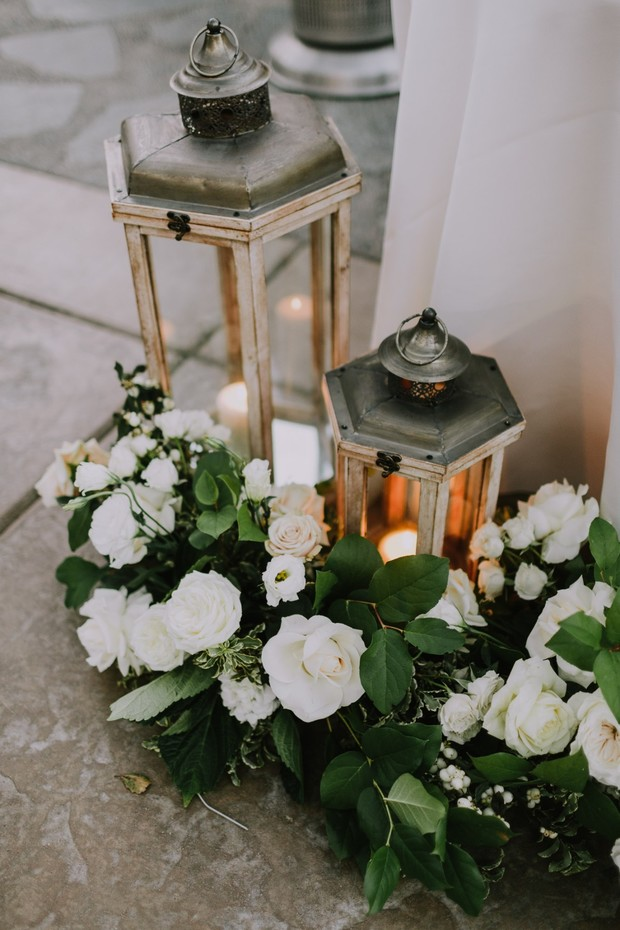 lanterns and floral wedding decor