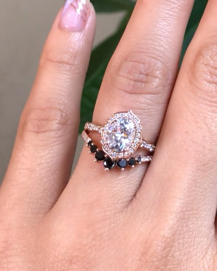 Don't you agree black and white are the best kind of mix and match? This bridal ring set include our Vintage Floral Oval Moissanite