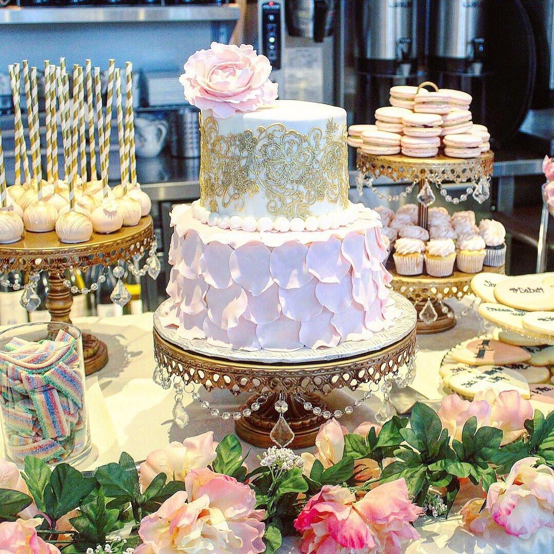 Bridal🌸Shower🌸Dessert Table by @cupcake_couture_mtl